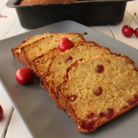 Plum cake alle ciliege