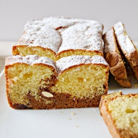 CAKE VARIEGATO ALL'AMARETTO
