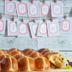 Hot cross buns (panini semidolci pasquali)
