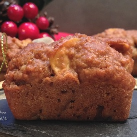Mini plumcake integrali light con pere e mele