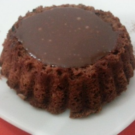 Mini torte con glassa al cioccolato