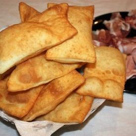 Ricette Lievito Madre Essiccato.Gnocco Fritto Con Lievito Madre Essiccato Snappetize Com Le Migliori Ricette Dei Food Blog Italiani 23462