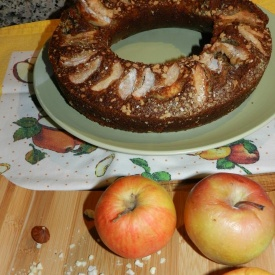 Re-Cake 2.0 #1 An apple, hazelnut and oat cake – Torta di mele, avena e nocciole