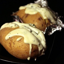 CHEESY BAKED JACKET POTATOES