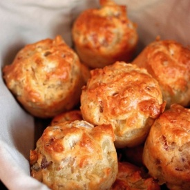 Muffins con Bacon, Patate, Cipolla, Emmental