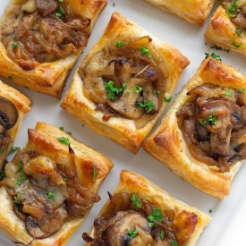 Mini Quiche ai funghi e groviera