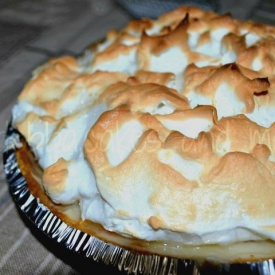 peache meringue pie