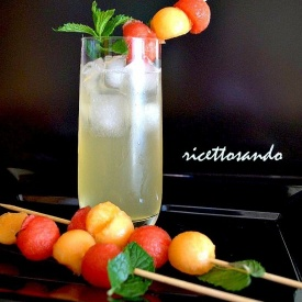cocktail analcolico di frutta e menta