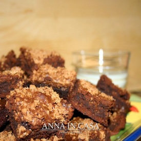 Fudge brownies con amaretti