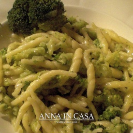 Trofie con pesto di broccoli