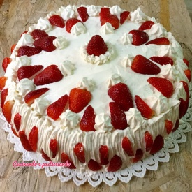 Torta fragole e chantilly
