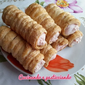 Cannoli con mousse di mortadella